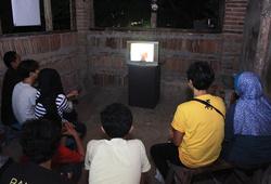 Sinema Elektronik, Tari Kacang, Melaut, Penembak Jatiwangi, Anggur Merah, Gerak, Terbuai House Mix di Jatisura, Di Siang Bolong