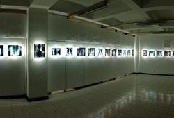 """""""Mors Vincit Omnia"""" Installation view"""