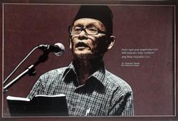 Potret KH. Zawawi Imron