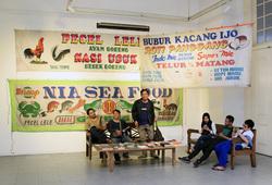 Spanduk Lukis Pecel Lele, Seafood, dan Roti Bakar
