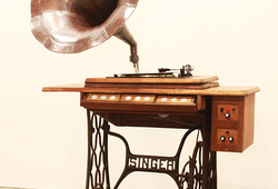 Singer : Gramophoniac